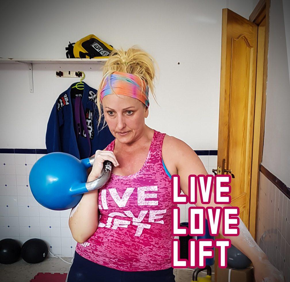 anna-live-love-lift