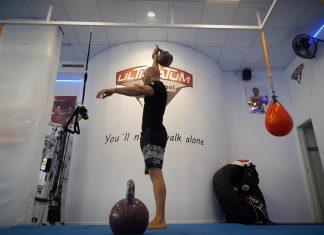 overhead reverse lunge 05Full body lockout standard